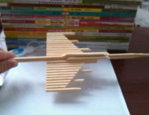 一次性筷子制作飞机的步骤?