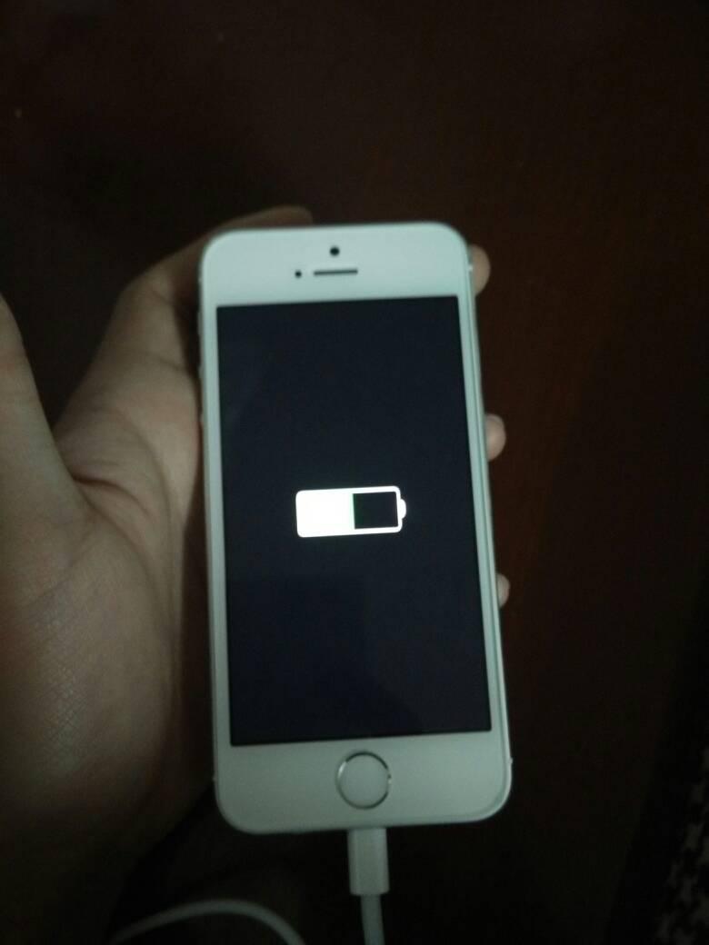 开机关机偷拍_iphone5s在关机时充电会一直显示亮着充电的标志吗?