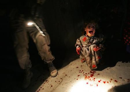 这几天看到美军性侵伊拉克妇女那些图片,觉得这个世界好黑暗,这是