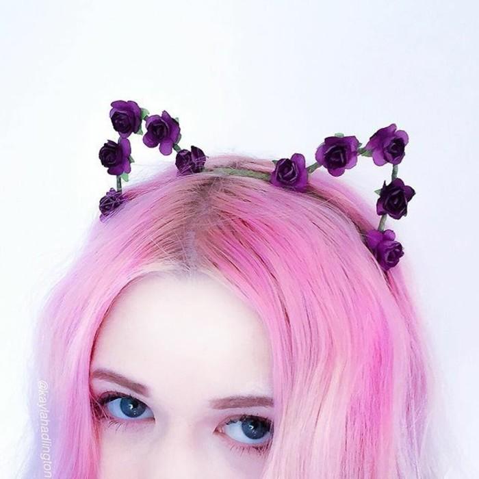 有没有像这样的头发粉色的女生头像