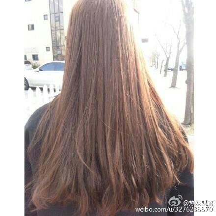 这种发尾微卷发型是什么?怎么给理发师说?