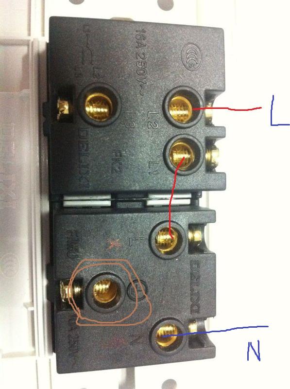 一开三孔开关接线图(开关控制插座)