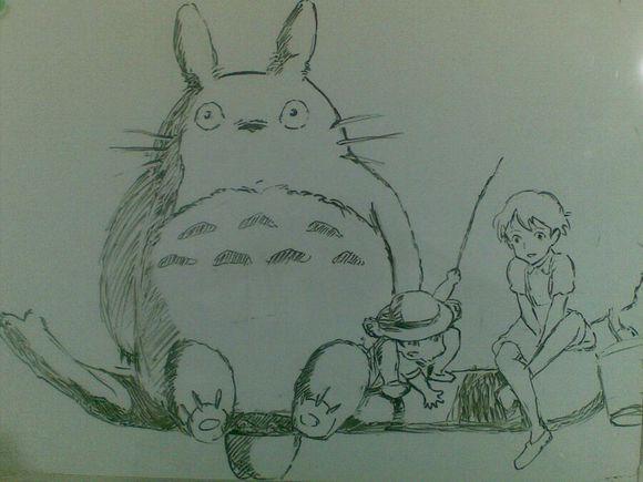 龙猫铅笔画手绘教程