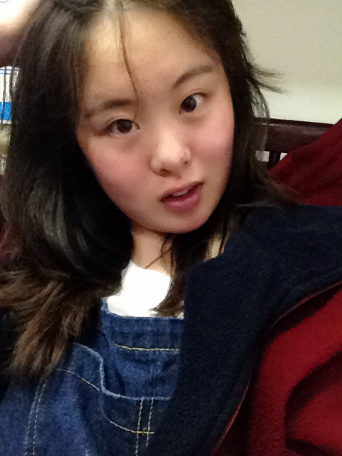 我是女生,一米六,一百一十五斤,杏仁型脸,适合留长发短发呢图片