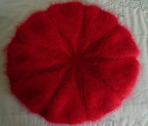 时尚的老年人帽子编织