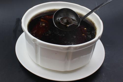 黑蒜瘦肉汤的做法,黑蒜鲫鱼汤做好吃,黑蒜瘦肉可以和排骨汤图片