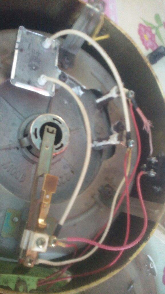 电饭锅保温片连接线是什么材质的怎么感觉像空心管呢?