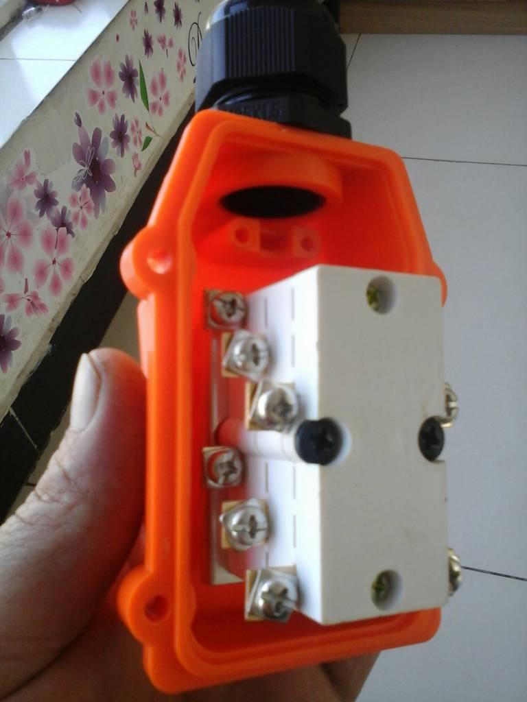 三相电倒顺开关怎么接线
