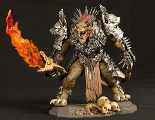(附图)这种玩具 右手拿兽头火焰刀 身穿银色盔甲 脚踩骷髅头的模型