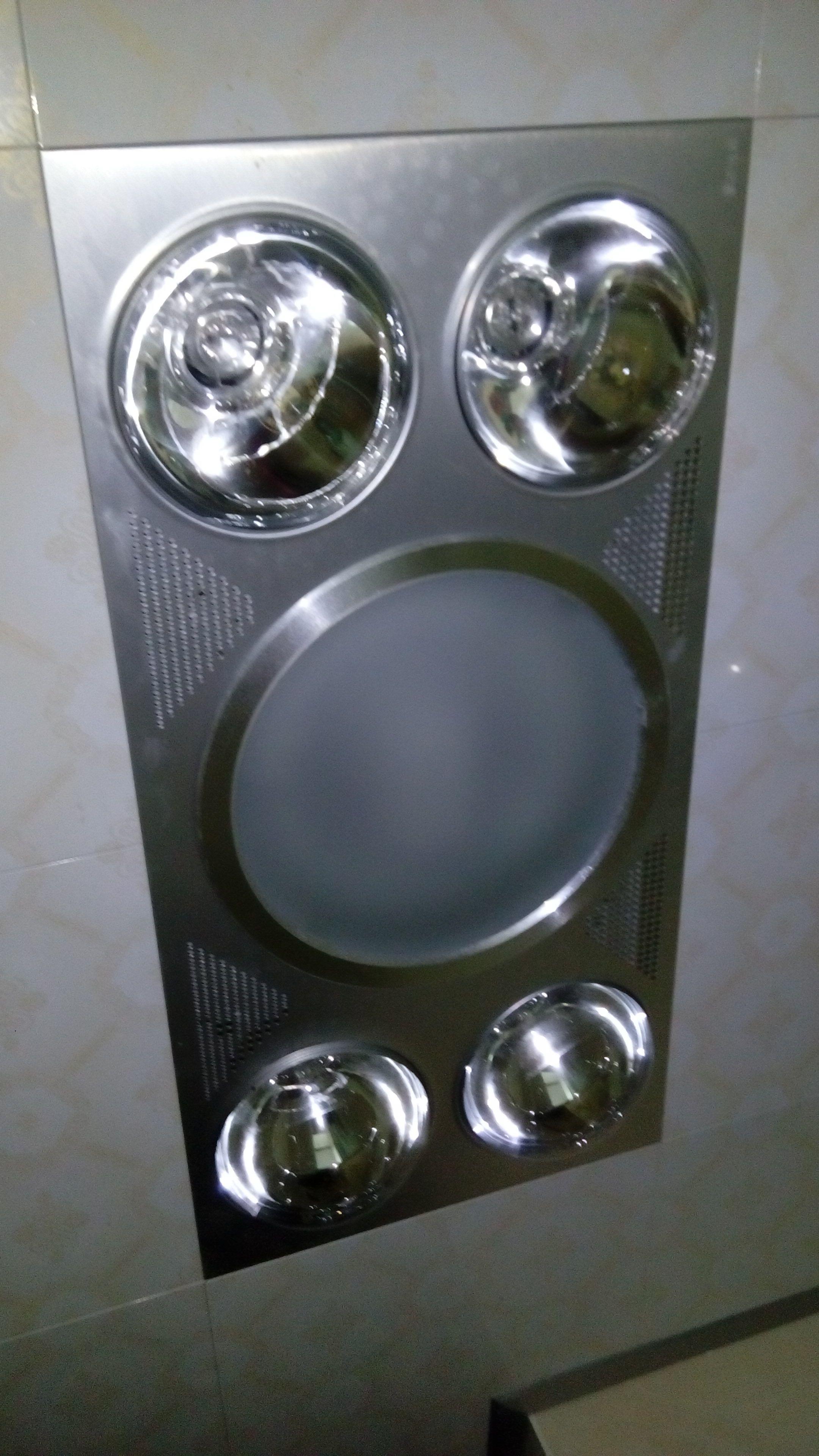 集成浴霸中间的照明灯不亮了,可能是什么坏了?如果换灯泡,该怎么拆?