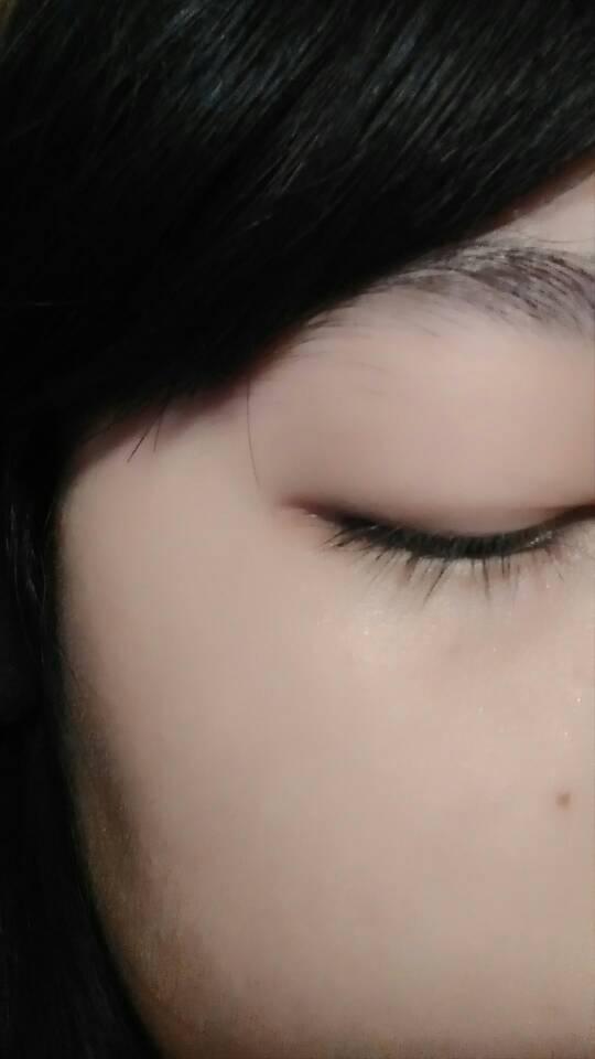这样的眼睛要怎么花眼线?我每次画的时候眼尾的眼睫毛