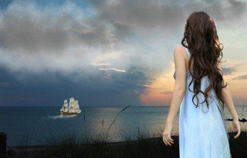 求一张女生头像:长发及腰,面朝大海的唯美背影,背景以