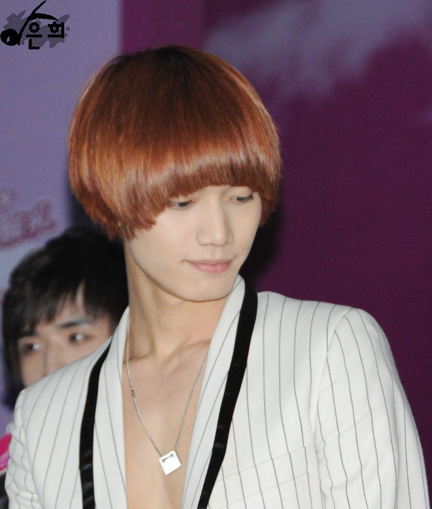 韩国现在最流行的bobo头就是宝盖头,金圣恩的那种!图片