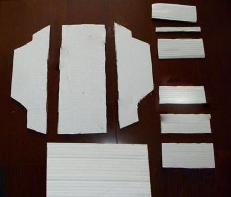 纸板手工制作小汽车模型具体步骤如下:   1.