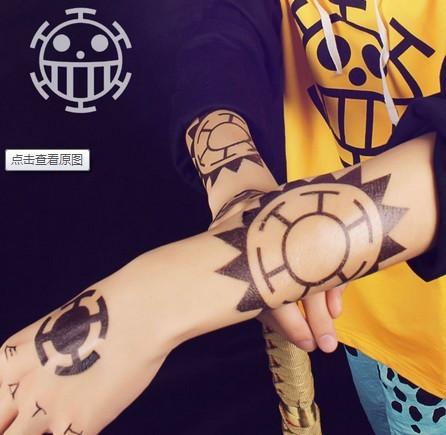 求海贼王特拉法尔加罗的纹身平面图图片