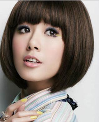 适合高中圆脸女生的短发有哪些?因为是学生,所以不能烫染,最好有图片.图片
