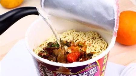 为什么中国人选择了红烧牛肉和老坛酸菜?