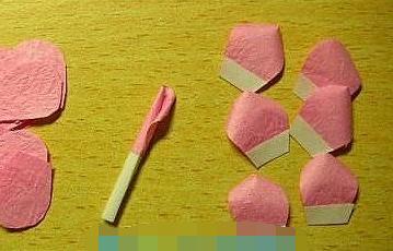 如何做皱纹纸玫瑰花步骤图解