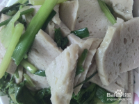 蒜苗芹菜炒肉饼