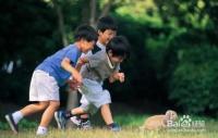 小孩子很胆小并不自信怎么办?