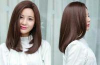 怎样给大学女生剪长头发