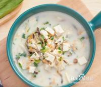 10个月宝宝辅食---奶香菌菇豆腐汤