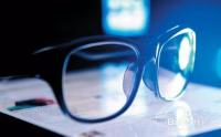 如何鉴别防蓝光眼镜是否有用?