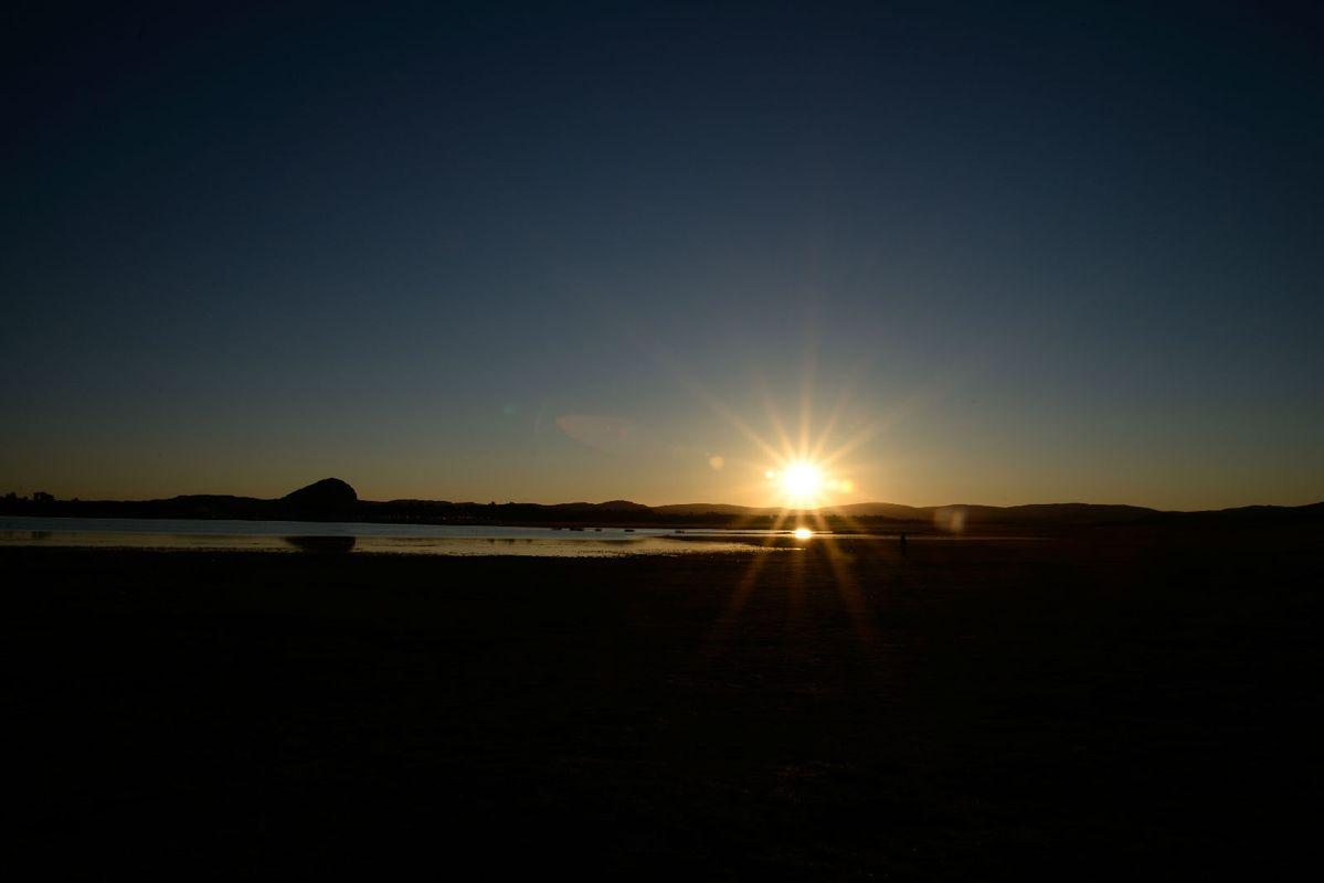 初升的太阳图片