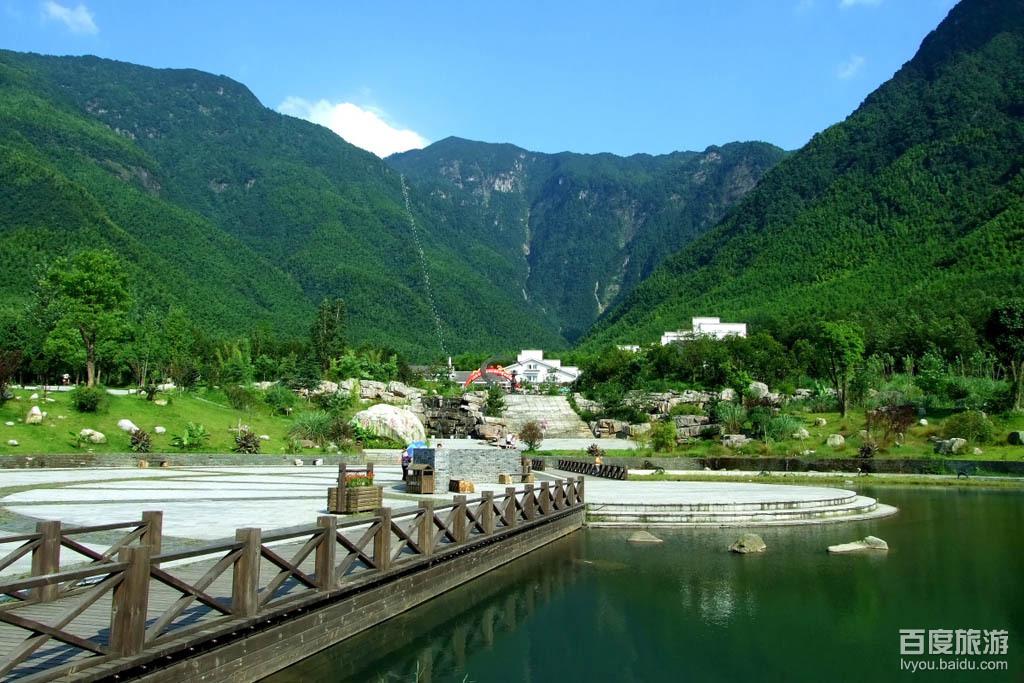 明月山风景区位于江西宜春袁州区,距宜春城区20公里,是国家级风景
