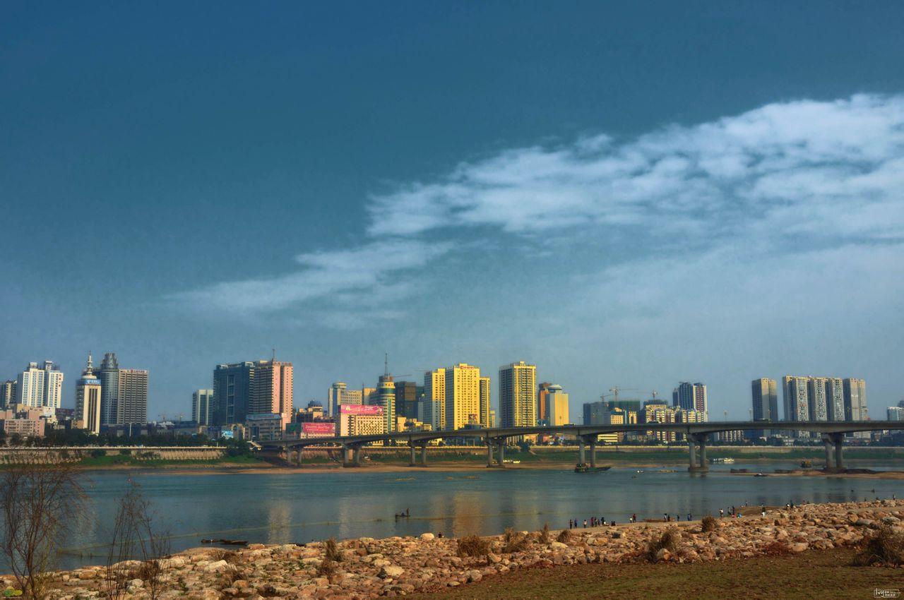 亚洲中国湖南株洲株洲湘江风光带 株洲湘江风光带位于城市的湘江沿岸