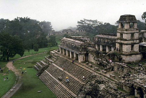 科巴(西班牙文:cobá)是墨西哥尤卡坦半岛上的一个玛雅文明的城市