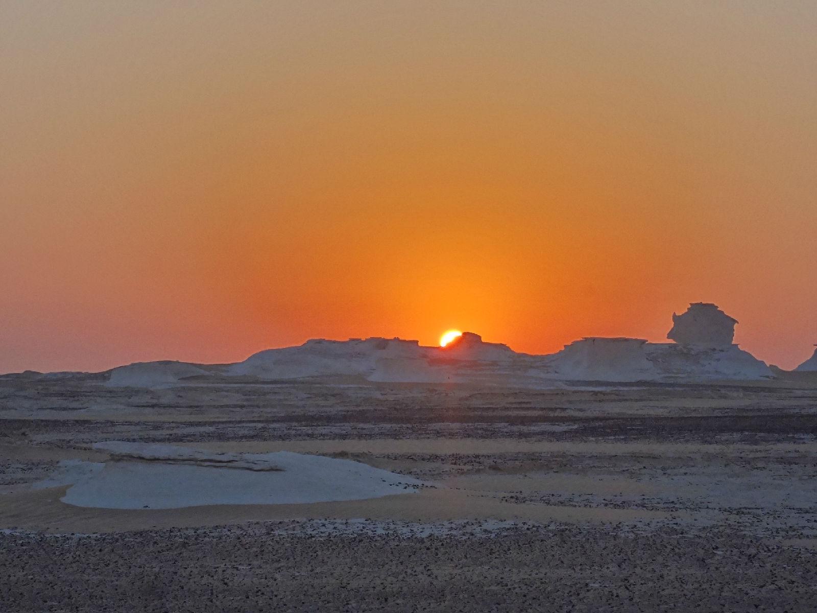 入埃及记(上)(黑白沙漠,金字塔,亚历山大)