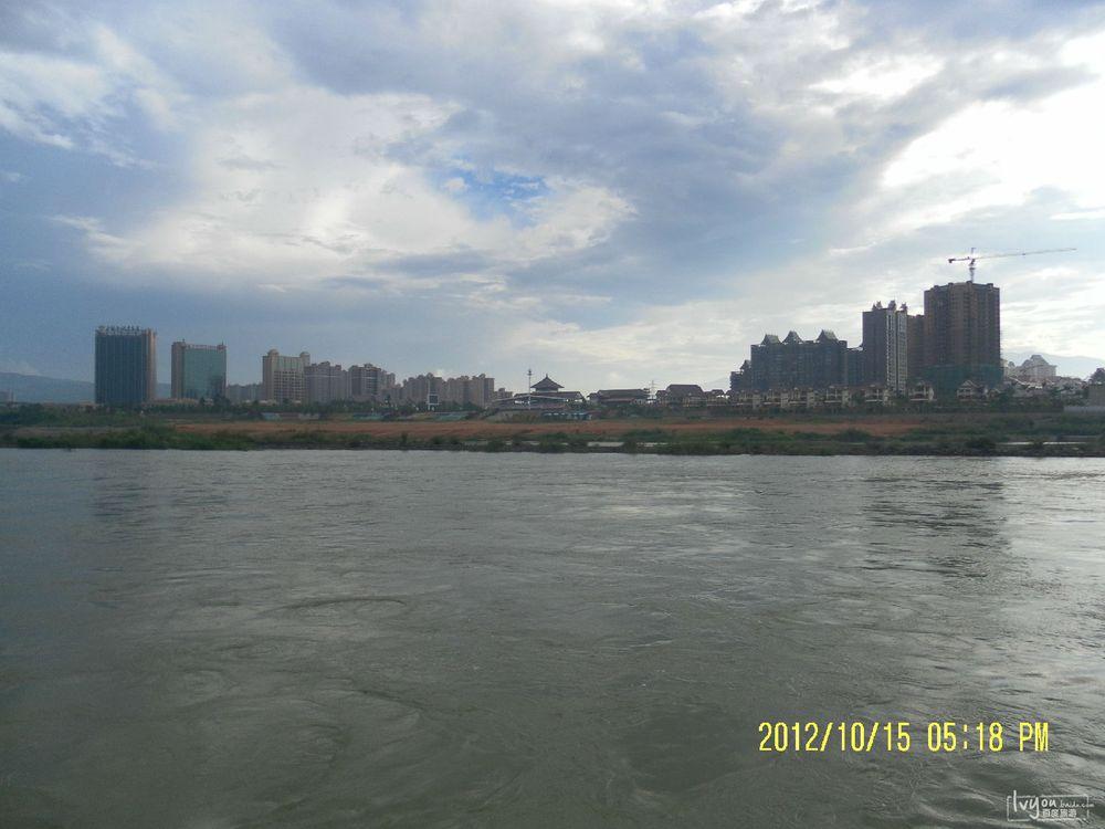 湄公河岸风景图片