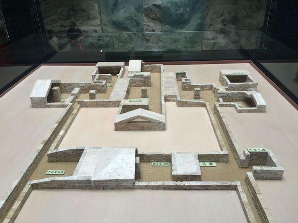 龟山汉墓模型图图片