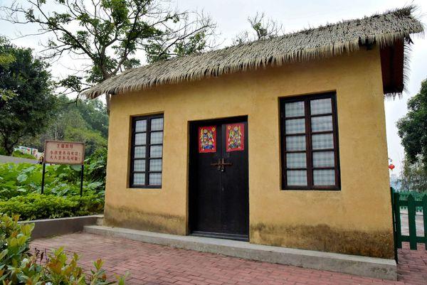 乡村老房子的风格和岭南小楼风格迥异