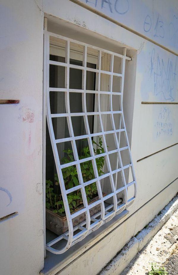 有格调的窗子护栏图片图片