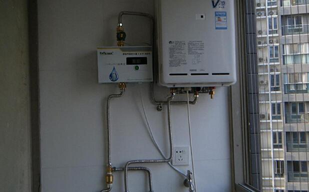 """控制""""相关的详细问题如下:燃气热水器是进水闸门控制还是出水闸门控制图片"""