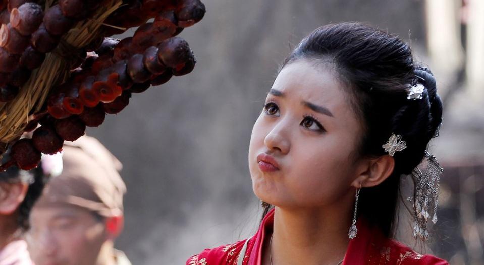 《追鱼传奇》,这个故事看过越剧,后来拍成电视剧,虽然是小演员演的,但泰国鲜肉yaya最新电视剧图片