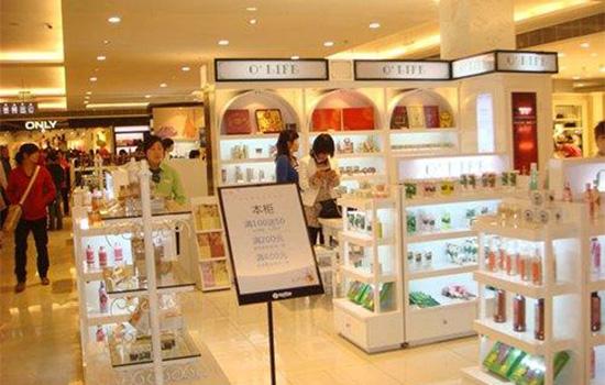 香港化妆品��-)��(:`d_为什么香港的化妆品价格较低?