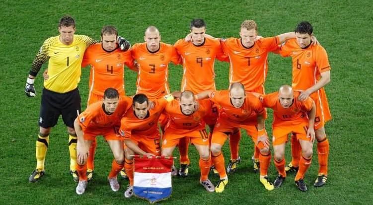 荷兰国家队在世界杯最好的成绩是哪一届,排名怎样?