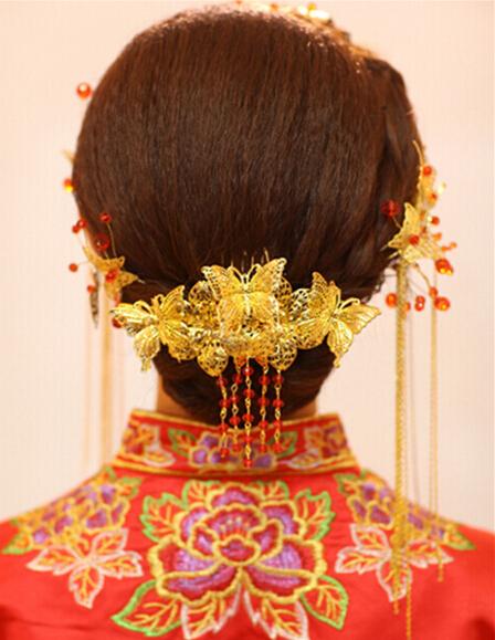 做中式新娘发型的步骤