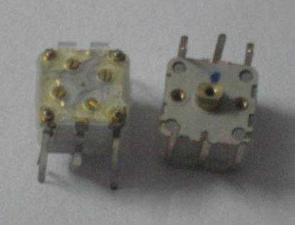 有谁知道四联电容的四个可变电容怎么有什么作用?是不