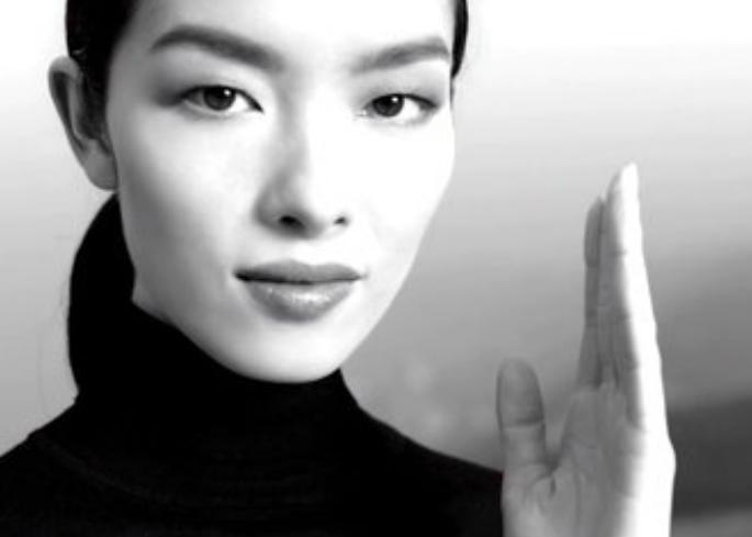 这位出演香奈儿手表广告的模特是谁?