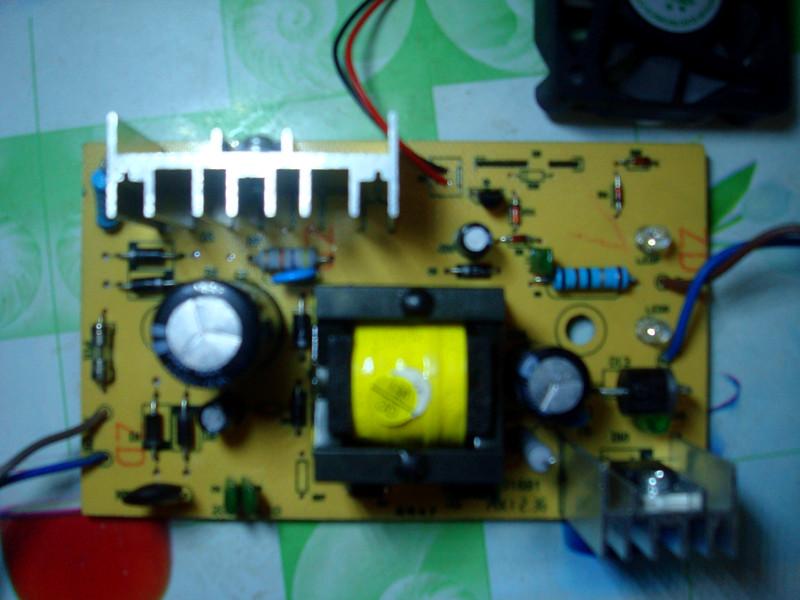 电动车充电器4820输出端正负极接反烧坏,风扇抖动怎么