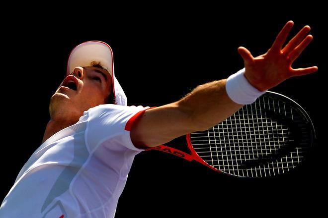 下手发球的网球下手发球动作方法图片
