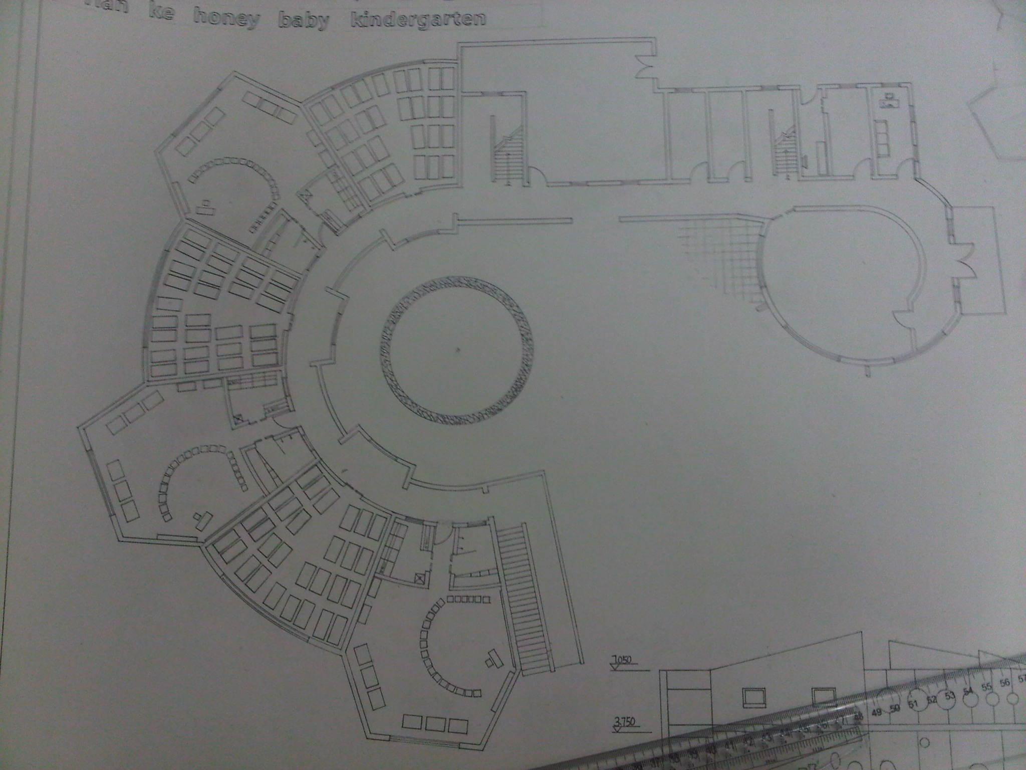 本人建筑学专业,进行幼儿园设计时设计的首层平面图如