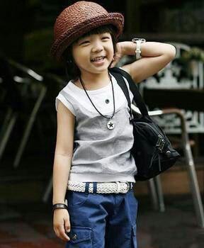 有谁知道这个童星叫什么名字?图片