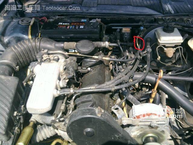 谁知道普桑发动机上的这个小管叫什么,起什么作用啊