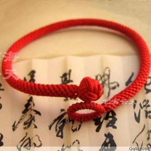 请问这个红绳手链结尾处的圈和球是什么结啊,怎么编的