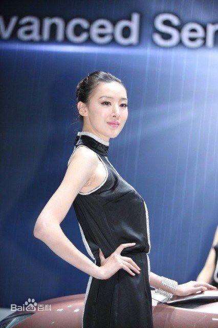 孙誉函是2005年世界顶尖超级模特大东北赛,全场总冠军.